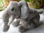 045 toy elephant 63333