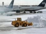 087 airport snow 642429