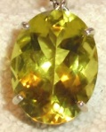 214 yellow brooch 660626
