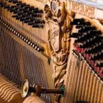 356 Antique piano 889843