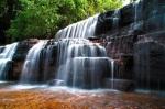 570 waterfall 937677