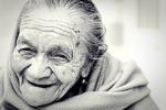 1054-woman-1031000_640